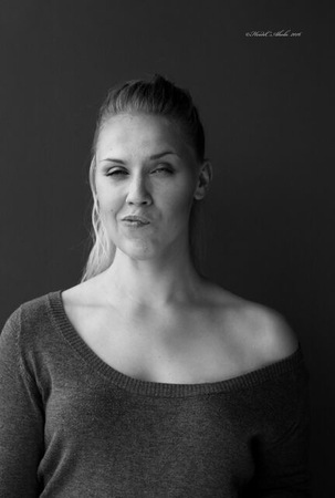 Pussykan Jenny Hällfors puhuu messuilla naisten aseman parantamisesta