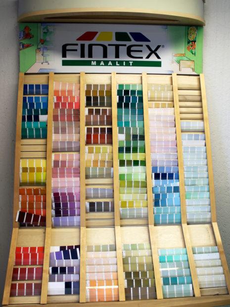 Fintex-Tetrakemin maalitarjonta on monenkirjava.